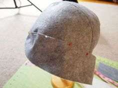 How to Sew a Cute Cloche Hat: 6 Steps (with Pictures) Fleece Patterns, Hat Patterns To Sew, Make Your Own Hat, Sewing Piping, Steampunk Top Hat, Mad Hatter Hats, Diy Hat, Kentucky Derby Hats, Hats For Men