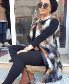 How to dress according to the hourglass body type – Just Trendy Girls Muslim Fashion, Modest Fashion, Hijab Fashion, Girl Fashion, Casual Hijab Outfit, Hijab Chic, Modest Dresses, Modest Outfits, Modest Clothing