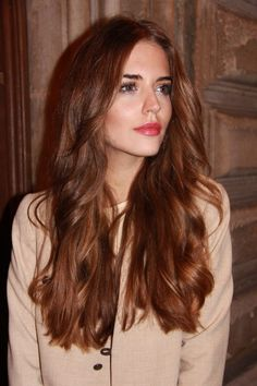 soft brunette + rosy lip + dewy makeup