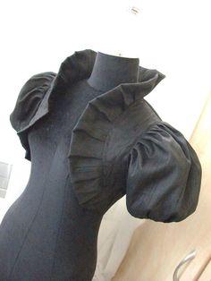 LOUIS XIV LOVE black raw silk bolero