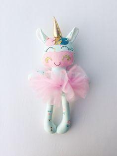 Licorne - tissu poupée - poupée à la main - une poupée de chiffon - filles chambre décor - toy filles - cadeau - peluche de poupée - Licorne - chiffon - nurserie