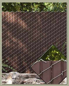 Chain Link fence with privacy slats. Cheaper alternative than wood fence. Chain Link fence with priv Chain Link Fence Privacy, Lattice Fence, Privacy Fences, Chain Fence, Chain Link Fencing, Chain Link Fence Cover, Fence Landscaping, Backyard Fences, Backyard Projects