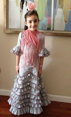 Mantoncillos de Flamenca KIKA BONET: En la feria 2013 Irene, Instagram, Dresses, Fashion, Baby Videos, Kids Fashion, Victorian Dresses, Tulle, Icons