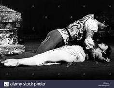 MARGOT FONTEYN & RUDOLF NUREYEV ROMEO & JULIET (1966) Stock Photo