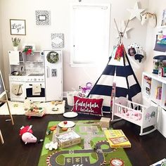 Kind of sort of missing all the Christmas magicanyone else? #decorforkids #playroom #homedecor #kidsroom #lolabluehome via @lolabluestyle