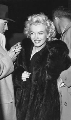 Marilyn wearing the mink that Joe DiMaggio gave her.