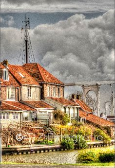 #Enkhuizen, #dutch, #old town, #harbor, #house, #oude binnenstad, #havenstad, #huis Mansions, House Styles, Home Decor, Decoration Home, Manor Houses, Room Decor, Villas, Mansion, Home Interior Design