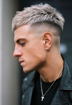 12 Best Short Hairstyles For Men's short haircuts short hairstyles for men,mens hairstyles haircuts short sidesmens short hairstyles short hairstyles for thick hair,mens short haircuts for thin hair Mens Haircuts Short Hair, Short Fade Haircut, Crop Haircut, Textured Haircut, Beard Haircut, Hairstyles Haircuts, Short Hair Cuts, Classic Mens Hairstyles, Bob Haircuts