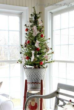 Vintage Christmas: Olive bucket tabletop tree