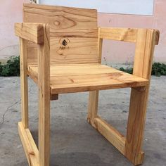 Pallet wooden chairs