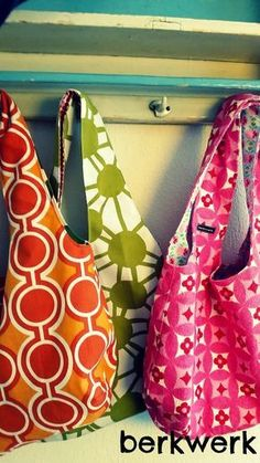 Marvelous Make a Hobo Bag Ideas. All Time Favorite Make a Hobo Bag Ideas. Craft Projects For Kids, Easy Sewing Projects, Sewing Hacks, Sewing Tutorials, Sewing Patterns, Sewing Ideas, Love Sewing, Hand Sewing, Origami Bag
