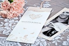 Einsteckkarte Als Einladung Zur Hochzeit Für Elegante Hochzeitsfeiern In  Apricot Mit Schmetterling Herz Angelina Und Pascal
