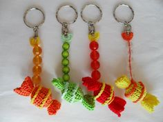 Prendas de Natal até 10€ (Sugestões Maparim) | Maparim Crochet Earrings, How To Make, Diy, Jewelry, Holiday Gifts, Gifs, Jewlery, Bricolage, Jewels
