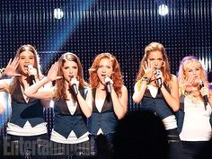 Anna Kendrick, Brittany Snow, Rebel Wilson, Hailee Steinfeld, and Alexis Knapp in Pitch Perfect 2 Pitch Perfect 2, Perfect Smile, Brittany Snow, Anna Kendrick, Anna Camp, Hailee Steinfeld, Pitch Perfect Characters, Pop Culture Halloween Costume, Halloween Costumes