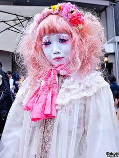 Extreme side of Harajuku street fashion -  Harajuku Beauty by tokyofashion, via Flickr