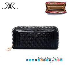 CARTEIRA PURSE Cor Preta  Dimensões: 2 x 9 x 10cm  Preço: 20€ Por Encomenda http://www.rostore.eu/pt/149-carteira-purse.html?cid=24