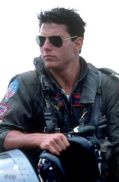 Tom Cruise in Top Gun- Is it just me or does Tom Cruise as Mverick remind you of John Barrowman as Cap. Top Gun Movie, Movie Stars, Movie Tv, Tom Cruise, Katie Holmes, Nicole Kidman, Cb 1000, Z Cam, Toms Outlet