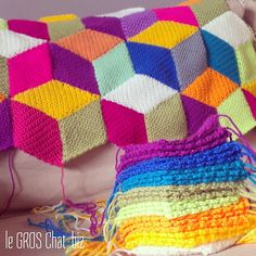 Ravelry: Project Gallery for Vasarely Blanket pattern by Marie-Line André Bobble Stitch Crochet Blanket, Granny Square Crochet Pattern, Crochet Patterns, Crochet Ideas, Crochet Home, Knit Crochet, Manta Crochet, Knitted Blankets, Fiber Art