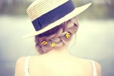 Cute visible braid to wear with a hat for a beautiful outdoors day. Love the touch of little dainty flowers to give it character.