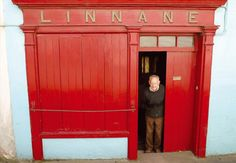 A great Irish welcome awaits in Linnane's pub in County Clare Ireland Pubs, Love And Co, County Clare, Irish Cottage, Irish Blessing, Irish Traditions, Irish Eyes, Cottage Interiors, Beautiful Homes
