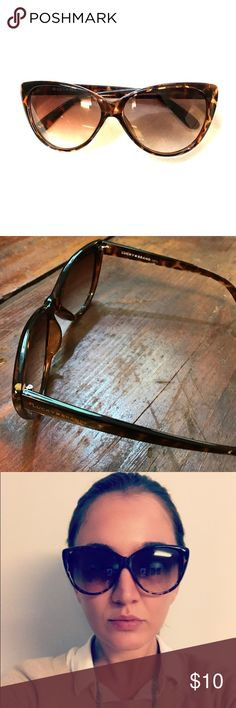 Lucky Brand Sunglasses Lucky brand tortoise shell sunglasses. Some tiny scratches on lenses from normal wear but none that you can see while wearing. Lucky Brand Accessories Sunglasses