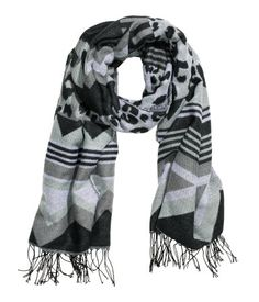 Jacquard-weave scarf with fringe on short sides. Black and grey pattern. | H&M Accessories