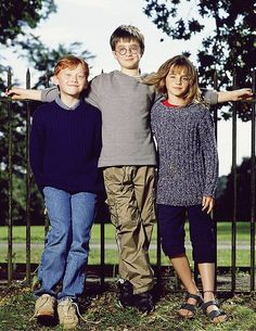 Hehe! I was looking at this cute pic, when I realized that Emma and Rupert are both slouching and Dan is on his tiptoes, to make it look like he is taller then them, but in real life Daniel has always been way shorter then both Emma and Rupert ;) too cute!