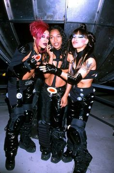 TLC: No Scrubs (1999) - Another favorite for several reasons. The song was good, the outfits were so cool (they looked like gothy superheroes), T-Boz's makeup was awesome, and Left-Eye's hair was so cute.