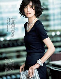 Precious 07_2016#カジュアルだけは卒業!シンプルTシャツを上品美人に着こなす方法 - Woman Insight | 雑誌の枠を超えたモデル・ファッション情報発信サイト