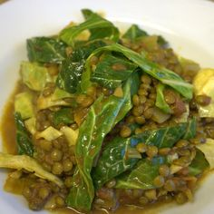 Spicy tomato lentils with cabbage