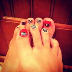 UGA gameday Jamberry toes!  http://rstepp.jamberrynails.net