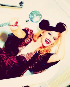Kylie Minogue by Ellen von Unwerth. Kyle Minogue, Ellen Von Unwerth, You Rock, Female Singers, Aphrodite, Pastels, Picture Video, Kylie, Cool Pictures