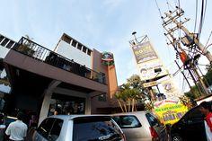 Kafe Pisa  Address: Jl. Bukit Darmo Boulevard 6E-F Surabaya  Phone : 031-7320220