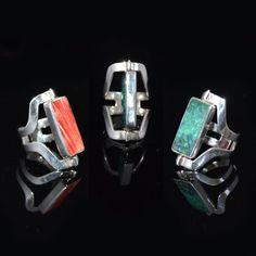 Leuke zilveren ring. Deze ring is verstelbaar en draaibaar.   http://www.dczilverjuwelier.nl/zilveren-ringen