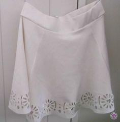Clotheswap - BEAUTIFUL WHITE SKIRT ~ ONLY WORN ONCE Apple Body Type, Apple Body Shapes, Narrow Hips, Great Legs, White Skirts, Body Types, Amazing, Clothes, Beautiful