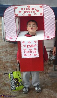 Kissing Booth Costume