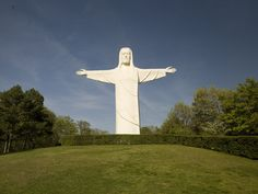 Christ of the Ozarks - Eureka Springs, Arkansas - A great place to visit. The statue is wonderful, the outdoor passion play excellent; Bible Museum, Sunrise Services, Arkansas Vacations, Fort Smith Arkansas, Victorian Village, Dream Dates, Eureka Springs, Beautiful World, Beautiful Things