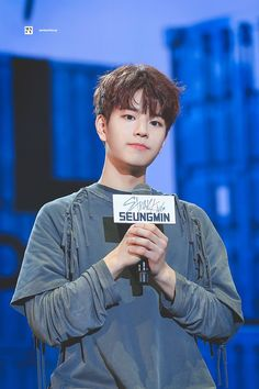 Welcome guys, any new fans out there? If you guys have any questions I'll be happy to answer! Stray Kids Seungmin, Fandom, Kid Memes, Kids Wallpaper, Kpop, Lee Know, Bias Wrecker, Pop Group, Lee Min Ho