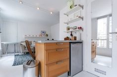 Ganhe uma noite no Beautiful 2 room with view in Paris - Apartamentos para Alugar em Paris no Airbnb!