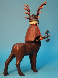 Cervibus-Nordic god-guardian of the animals Cool Toys, Amazing Toys, Childhood, Dani, Christmas Ornaments, Holiday Decor, Castles, Kindergarten, Fantasy