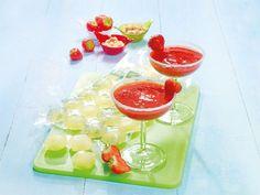 Nicht nur im Sommer sehr lecker: Frozen Erdbeer-Apfel-Margarita mit Limetten-Eiswürfeln. http://www.fuersie.de/kochen/rezeptideen/artikel/frozen-erdbeer-apfel-margarita