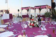 Montaje de mesa en la cena andaluza de la noche flamenca en Club La Cabane Marbella