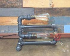 Lampada tubo industriale uomo delle caverne di TheCleverRaven