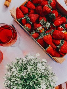 #strawberry #fruit #vibes #summer #wine #spain #wallpaper #ideas #photography #photooftheday Iphone Background Wallpaper, Nature Wallpaper, Strawberry Fruit, Summer Wallpaper, Wallpaper Ideas, Photo Ideas, Vsco, Spain, Wine