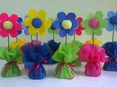 Soda şişesinden saksı – Valentine's Day Easy Valentine Crafts for Kids to Make Felt flowers in bottles Kids Crafts, Hobbies And Crafts, Felt Crafts, Diy And Crafts, Arts And Crafts, Paper Crafts, Valentine Crafts For Kids, Mothers Day Crafts, Felt Flowers