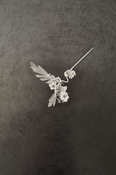 "Cadáveres Habitables (Serie) - ""Hummingbird 1:1"" on Behance"