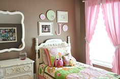 Wall idea for girls' room