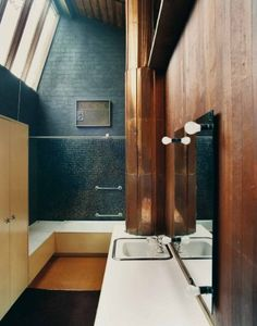 Boyd House, Melbourne. 1958. Photo by Michael Wee. Bathroom. Painted brick, timber paneling, mosaic tiles, copper.