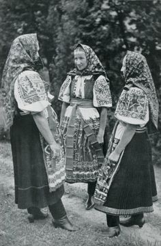Women from Trenčianska Teplá village, Považie region, Western Slovakia. Heart Of Europe, Religion, Folk Embroidery, Folk Costume, My Heritage, Vintage Pictures, Traditional Dresses, The Past, Winter Hats