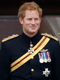 Harry - Por, mesmo sendo um príncipe, ser um homem bom, divertido, simpático e um chuchu!!!! @___@